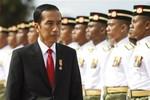 Tổng thống Indonesia trực tiếp kiểm tra tàu cá Trung Quốc đánh bắt trộm