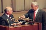 Sai lầm không thể sửa của Boris Elsin trong và sau cuộc đảo chính tại Liên Xô
