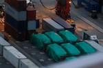 Vụ giữ 9 xe bọc thép: Hoàn Cầu đòi Singapore cắt quan hệ quân sự với Đài Loan