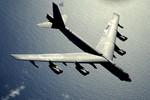 B-52 bay qua đảo nhân tạo Trung Quốc xây dựng phi pháp, diễn tập ở Biển Đông