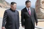 Ông Kim Jong-un bất ngờ bay sang Trung Quốc, Ngoại trưởng Mỹ lại đến Triều Tiên