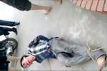 Video: Tên trộm xe máy bị người dân vây bắt và bị đánh bầm dập