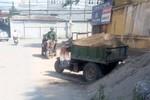 Sau vụ Chủ tịch phường ủng hộ xây dựng trái phép, Chủ tịch Hà Nội yêu cầu xử lý