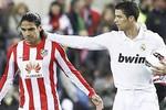 Xem Ronaldo 'hành hạ' đội bóng của Falcao