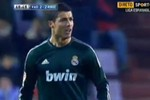 Ronaldo: Đã xấu chơi còn nhăn nhó với trọng tài