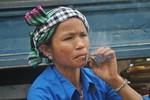 """Độc đáo ở nơi phụ nữ mê... thuốc lá như """"điếu đổ"""""""