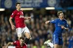 """Sir Alex tung, Jonny Evans hứng: """"Torres đã cố tình ăn vạ!"""""""