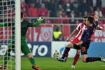 """Olympiakos 2-1 Arsenal: """"Pháo"""" thua ngược tại Hy Lạp nhưng vẫn đi tiếp"""