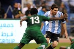 Phá kỷ lục là 'cái đinh' gì! Vô địch World Cup đi Lionel Messi!
