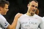 Berbatov, Balotelli và những thông điệp trên áo đấu