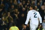 Real Madrid 1 - 1 Barcelona: Rực rỡ Raphael Varane