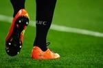 Real - M.U: Cuộc đọ sức về… giày