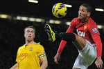 Premier League 9 P.M: Sir Alex trông đợi cú ăn ba