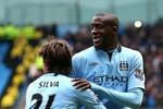 Man City 2-0 Chelsea: Man xanh níu kéo hi vọng vô địch