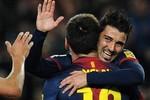 Barcelona 3 - 1 Rayo Vallecano: Villa tung, Messi hứng