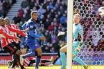 Sunderland 0 - 1 M.U: Bramble đá phản, United tạm dẫn City 18 điểm