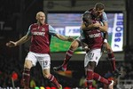 West Ham 2 - 2 Manchester United: Van Persie cứu 1 điểm cho Quỷ Đỏ
