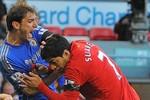Liverpool: Bán Luis Suarez? Hỏng. Không bán? Cũng hỏng!