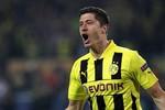Mario Gotze lập kỷ lục chuyển nhượng, Dortmund không bán Lewandowski