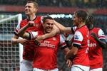 Arsenal 4-1 Wigan: Cazorla lập 'poker' tiễn Wigan xuống hạng