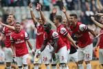 Arsenal mùa giải 2013/14: Lại chật vật chen chân vào tốp 4