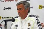Phòng thay đồ Real Madrid: HLV tài ba mấy cũng đành bó tay!