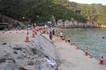 Flamingo đổ bê tông gần hết Bãi tắm Cát Cò 1, thi công lấn biển không phép
