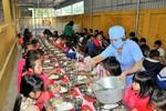 Giữ bếp ăn trường học sạch sẽ là chăm lo sức khỏe giáo viên và học sinh