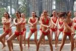 Cận cảnh 40 thí sinh hoa hậu mặc bikini nhảy ngựa