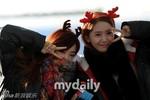 Các cô gái SNSD ấm áp đón Noel