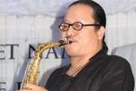 Nghệ sĩ Saxophone Trần Mạnh Tuấn với một con mắt và hai quả thận hỏng