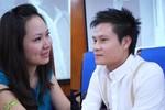 Vợ chồng Sao Mai Hoàng Tùng bật khóc vì 10 năm mới đủ tiền làm album