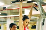 """""""Người cũ"""" của Hà Dũng sexy quyến rũ Bình Minh trong phòng tập gym"""