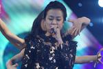 Hoàng Thùy Linh diện đồ khó hiểu đối diện scandal sex trên truyền hình