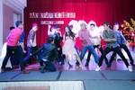 Hoa hậu 3 con Thu Hoài nhảy 'nóng bỏng' bên trai trẻ