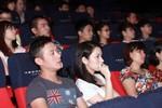Vợ mới của MC Anh Tuấn lặng lẽ trong buổi chiếu phim 'The Hangover'