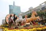 Chiêm ngưỡng đường hoa Nguyễn Huệ trước giờ khai mạc