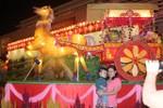 Người Sài Gòn nô nức đi Hội đèn hoa xuân đầu năm