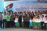 Trao học bổng Vừ A Dính cho học sinh dân tộc thiểu số, vùng biển đảo Quảng Ngãi