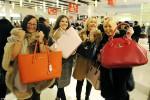 """Những """"chiêu"""" mua hàng nước ngoài giá rẻ dịp cuối năm không phải ai cũng biết"""