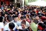 Thay đổi hình thức cướp lộc tại lễ hội Gióng đền Sóc ở Hà Nội