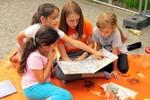 Thư viện ngoài trời tại công viên thiếu nhi ở Cộng hòa liên bang Đức