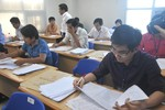 Khi bật cười, lúc rơi nước mắt với các bài làm văn của học trò