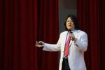 Giáo sư Nguyễn Lân Dũng đọc giùm bạn (34) - Tuổi 20 yêu thương