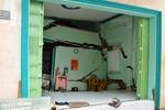 Bất ngờ nhà bị sụp lún, người dân cầu cứu cơ quan chức năng