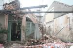 Hà Nội: Sập ngôi nhà 2 tầng lúc rạng sáng, 1 người tử vong