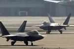 Hình ảnh tàng hình cơ F-22 Raptor của Mỹ vừa được điều đến Hàn Quốc