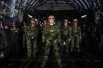 Ảnh: Lính Canada tập nhảy dù trong tập trận Emerald Warrior