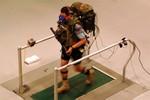 Lầu Năm góc thử nghiệm thiết bị hỗ trợ mang vác nặng cho binh sĩ