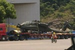 Dân mạng sốc trước hình ảnh trực thăng Apache ở Trung Quốc